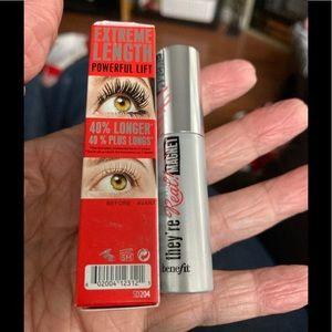 Benefit Extreme Length Lifting Black Mascara. New